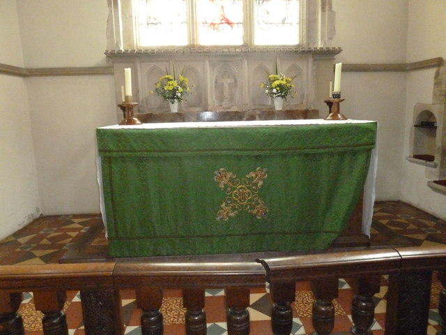 St. Mary, Bentley: Trinity altar