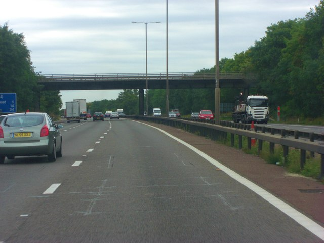 M4 crossed by A321 - Twyford Road