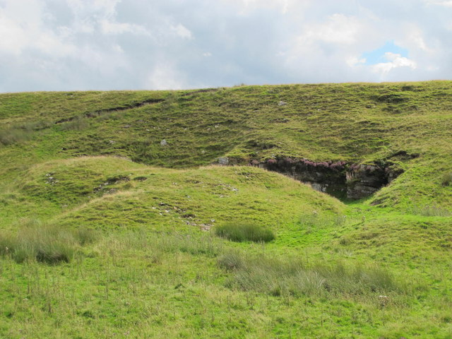 Disused quarry near the remains of Moorfield lime kiln