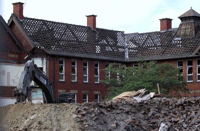 Demolition of Pinderfields Hospital