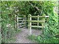 SU0931 : Kissing gate, Flouse Hole by Maigheach-gheal