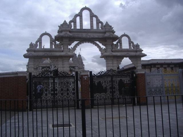 Gate to Neasden Temple, Brentfield Road