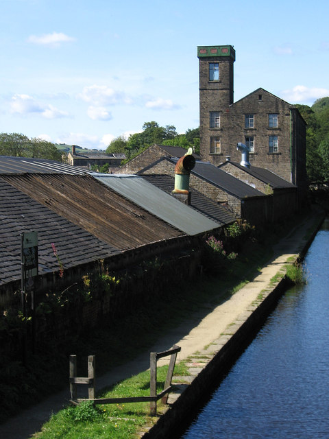Milnsbridge - Holme Mill and canal