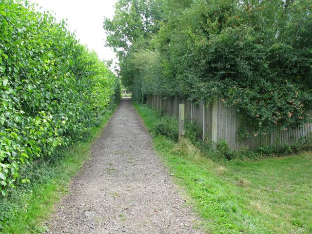 Bridleway and farm track to Felderland Lane