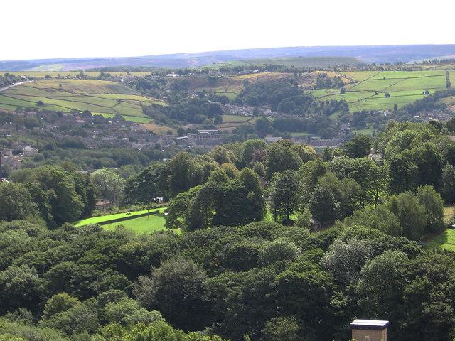 Golcar - view to Linthwaite