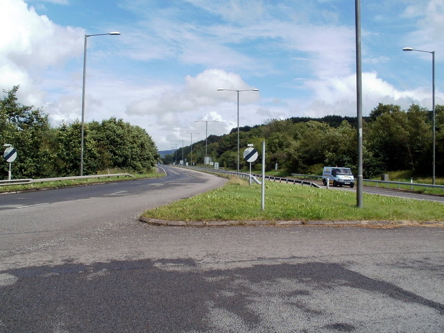 A465 heads past the northern edge of Blaengwrach