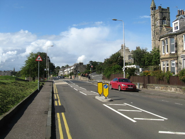 Looking towards Burntisland on the Kinghorn Road