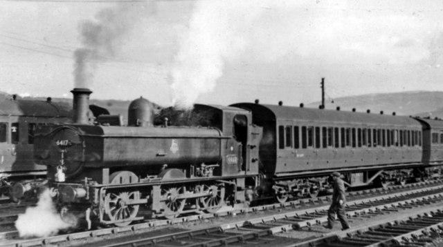 Abercynon branch train at Aberdare (Low Level)