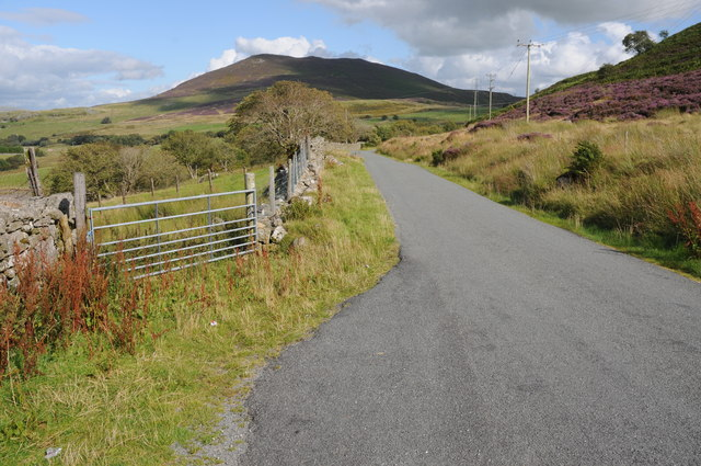 Road to the east of Arenig