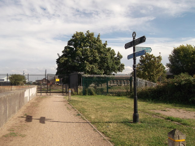 Footpath junction on the Thames Path near Crossness Sewage Works