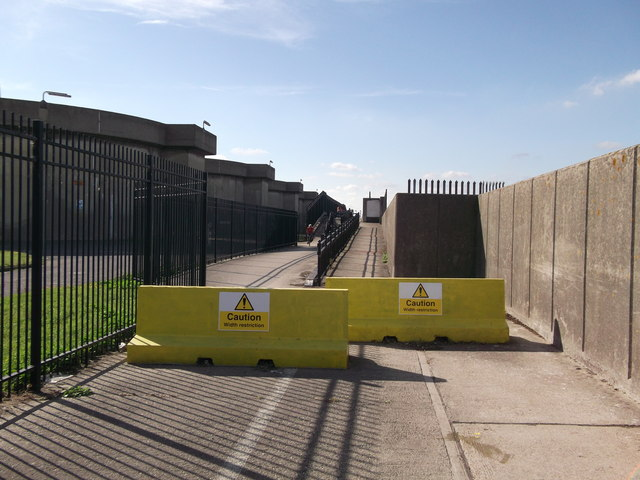 Barriers on the Thames Path at Crossness Sewage Works (2)