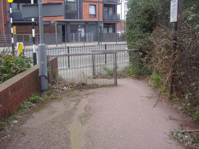 End of footpath on Winchelsea Road