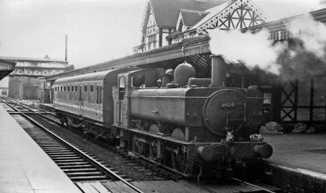 Kidderminster station, with auto-train to Bewdley