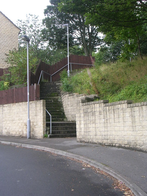 Steps from The Gateways up to Woodside Road