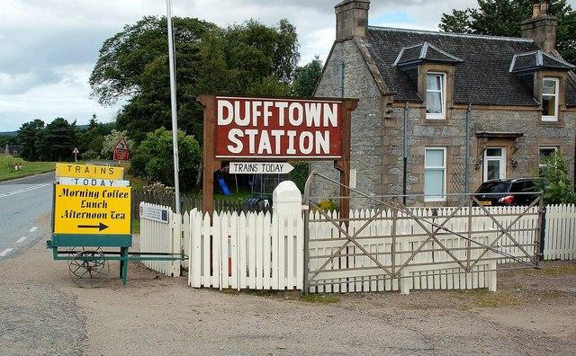 Entering Dufftown Station