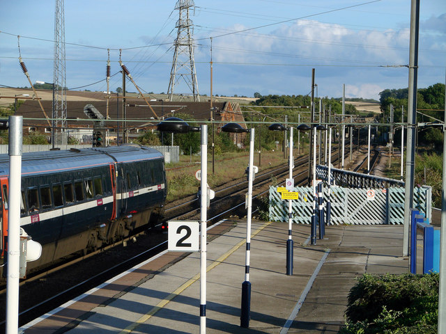 An East Coast Main Line service from Leeds to London Kings X departs from Grantham