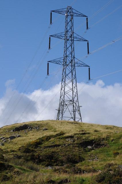 Pylon near Tyn-y-cae