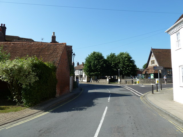 Junction of  High Street and Southampton Hill