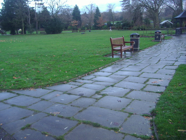 Path in Roundwood Park
