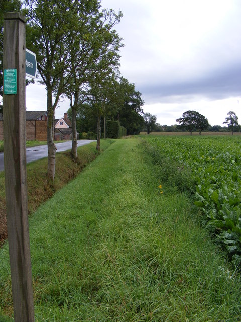 Footpath along New Road