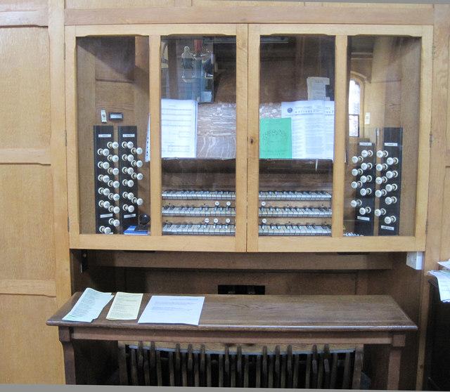 Organ Console, St John's church