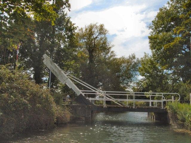 Drawbridge over Basingstoke Canal