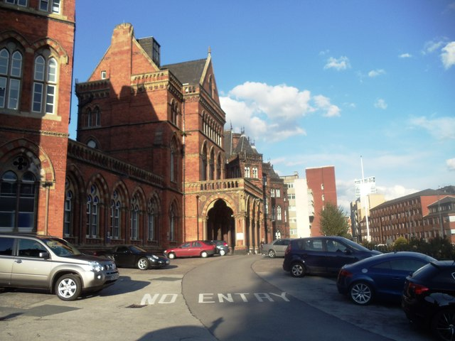 Leeds General Infirmary, main entrance
