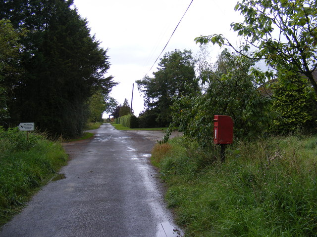 Wilby Green Road & Stanway Farm Postbox