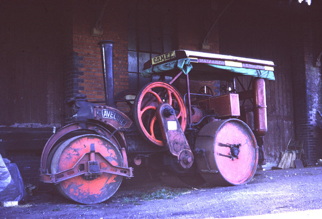 Chappel & Wakes Colne - road roller