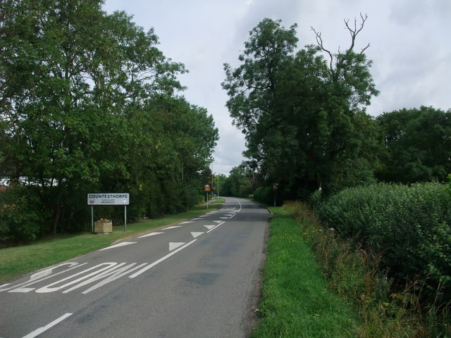 Entering Countesthorpe on Cycle Route 6