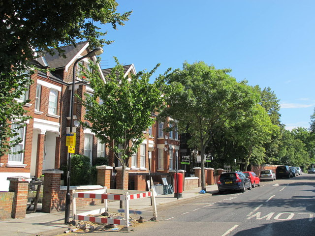 Minster Road, NW2 (2)