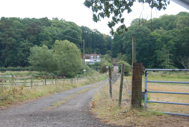 Track to Prestwood Bridge and on to the A449