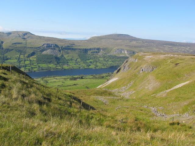 Sligo: Copes Mountain. Fence Between Two Hills