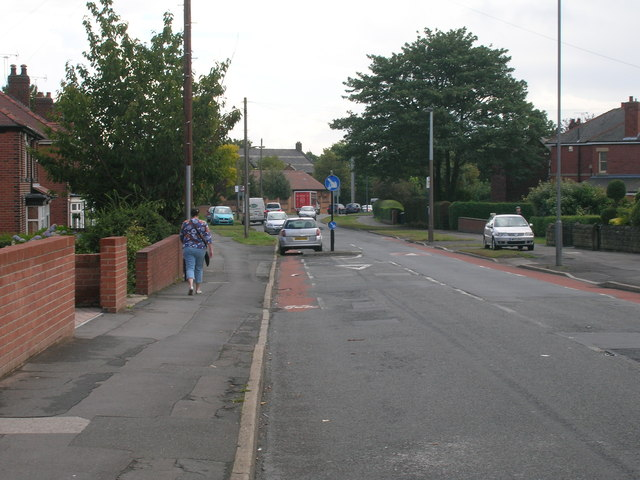 Stradbroke Road heading east