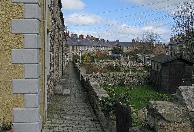 Terraced housing in Trefor