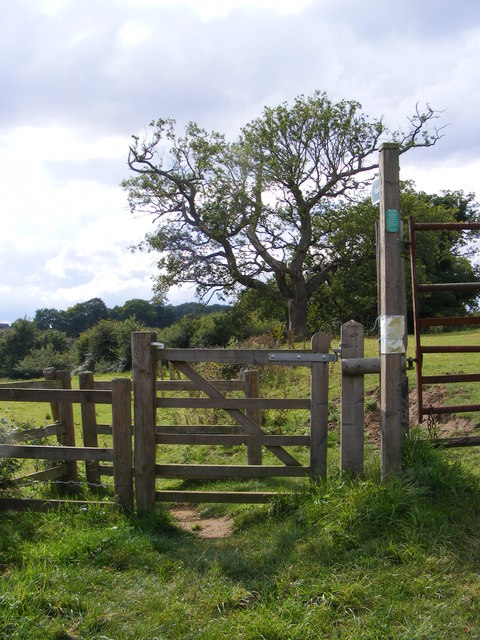 Footpath to Park Road
