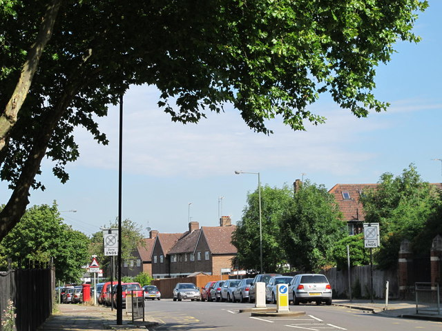 Westbere Road / Lichfield Road, NW2