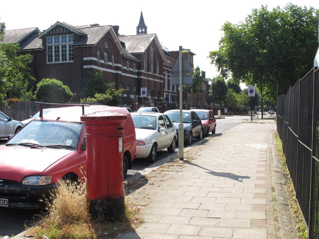 Lichfield Road / Westbere Road, NW2