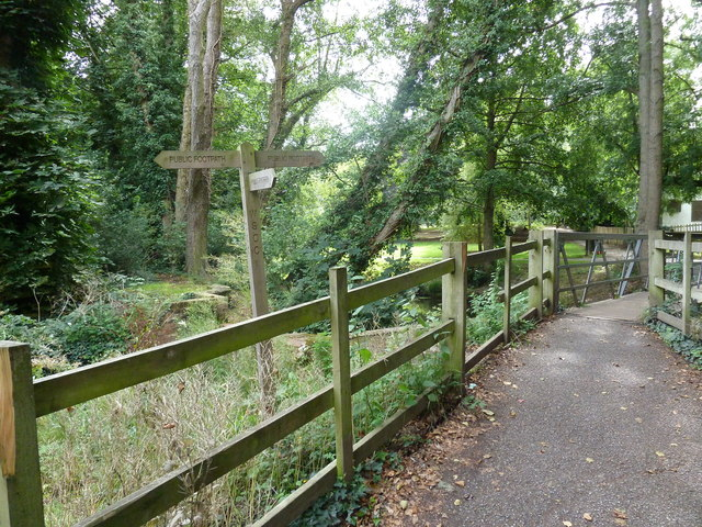 Footpath junction between Horsham Cricket Club and St Mary's Church