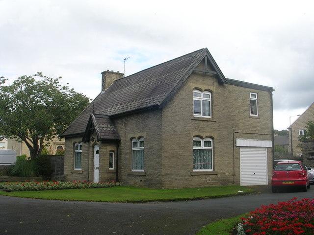 Charlestown Cemetery Lodge - Otley Road