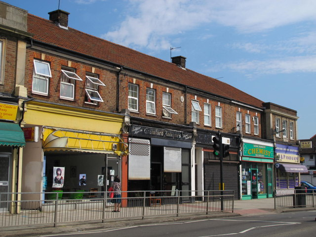 Shops and flats in Cricklewood Lane, NW2 (2)