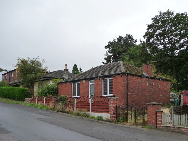 1920s bungalow, The Royds