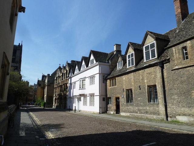 Mid section of Merton Street