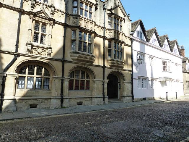 Splendid buildings in Merton Street