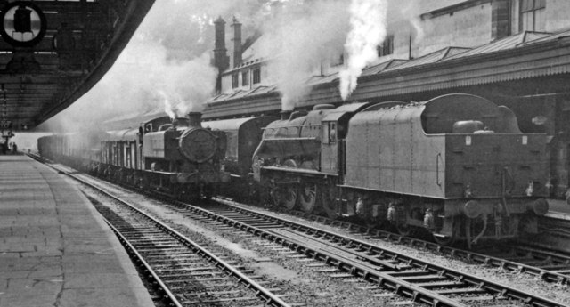 Shrewsbury Station, with Down WR goods and LMR pilot