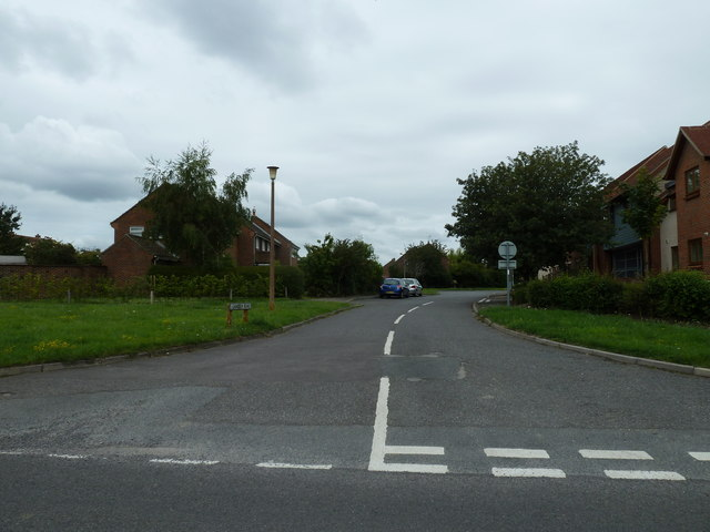 Looking from Taylors Lane into Leander Road