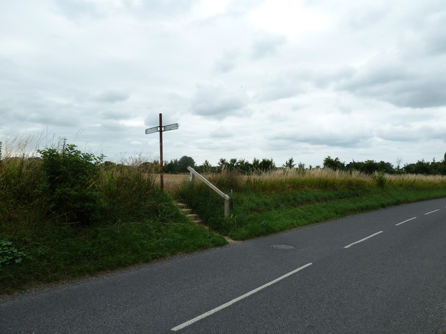 Road and path junction in Taylors Lane