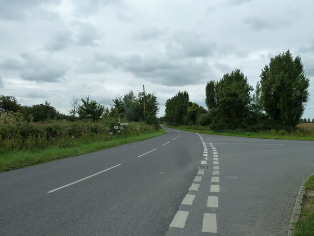 Approaching the junction of Stumps Lane and Taylors Lane
