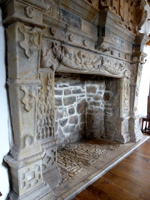Fireplace in Donegal Castle © louise price cc-by-sa/2.0 ...