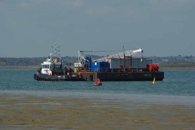 Tug & Pontoon for Gunfleet Construction